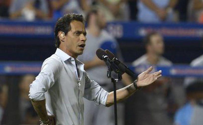 El cantante se presentó en el Partido de las Estrellas del béisbol de las Grandes Ligas. (EFE)