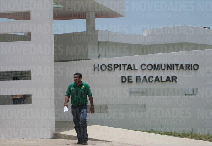 Un grupo de 29 trabajadores del Hospital Comunitario de Bacalar, pidieron la salida del director. (Javier Ortíz/SIPSE)