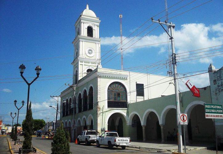 Tixkokob, cuyo ayuntamiento aparece en la imagen, es uno de los municipios que recibirá recursos federales para consolidar su infraestructura. (SIPSE)