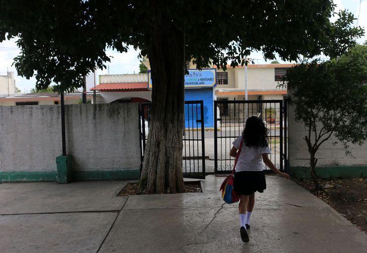 Los calendarios escolares de 200 y 185 días que están vigentes en Yucatán marcan el 20 de marzo como día inhábil. También la mayoría de los bancos, oficinas de gobierno y hospitales públicos suspenden actividades. (Archivo)