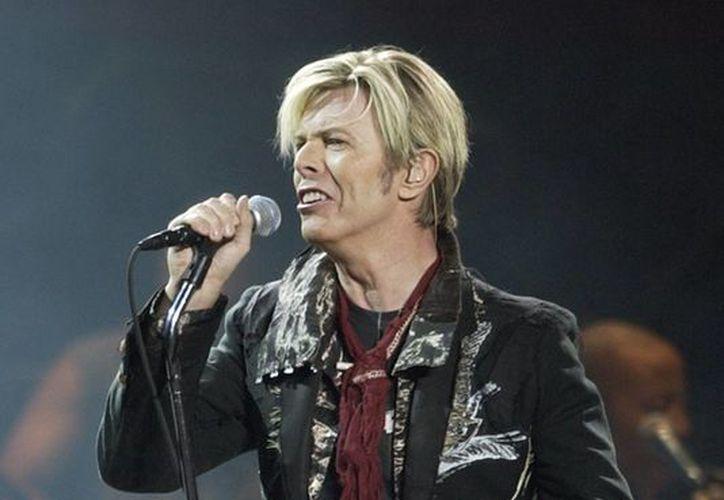 Imagen de archivo del cantante David Bowie, cuyo último disco 'Blackstar' arrancó en los primero lugares de la lista de Billboard. (AP)