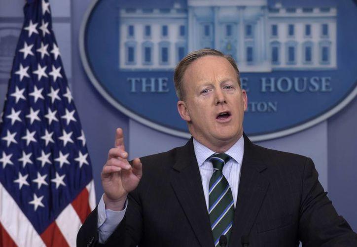 Este jueves el portavoz presidencial Sean Spicer anunciaba un arancel del 20 % a productos mexicanos para financiar la construcción de un muro en la frontera. (AP/Susan Walsh)