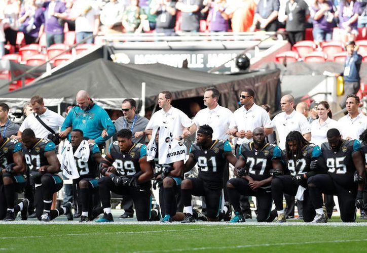 Ravens de Baltimore y Jaguares de Jacksonville fueron los primeros en hacerlo este domingo en Londres. (Reuters)