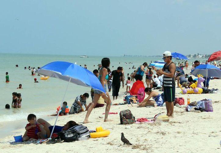 Las playas progreseñas reportaron una elevada concentración de visitantes. (Milenio Novedades)