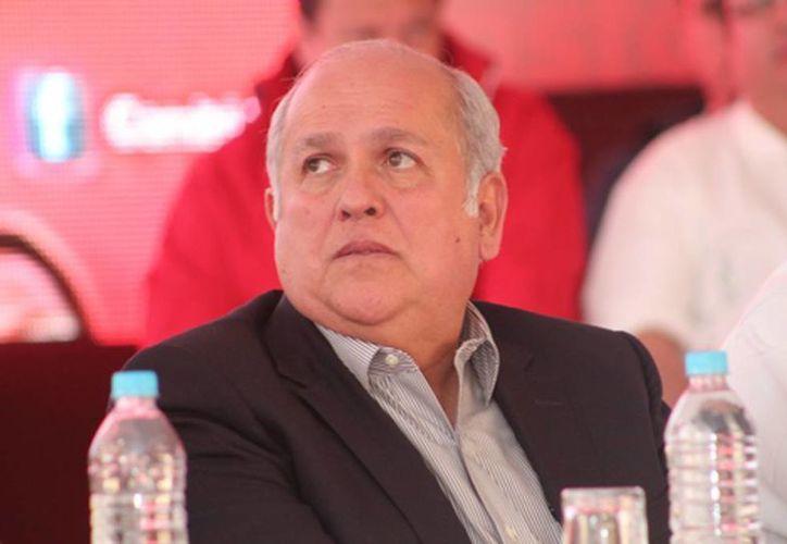 Fernando Moreno Peña fue atacado cuando desayunaba en el restaurante Los Naranjos con otras personas. (Milenio)