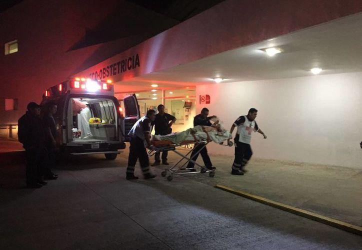 El  policía lesionado se encuentra internado en un hospital de Playa del Carmen. (Benjamín/Pat)