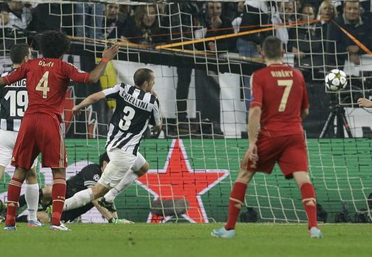 El croata Mandzukic (a la derecha, semioculto) abrió el marcador al minuto 64. (Agencias)