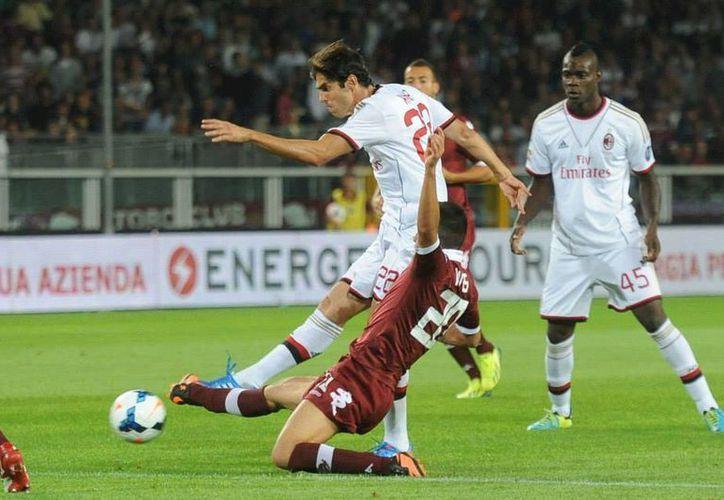 Por las lesiones, Kaká se perderá unas cinco fechas de la Serie A, así como las primeras jornadas de la fase de grupos de la Champions League. (Facebook oficial)