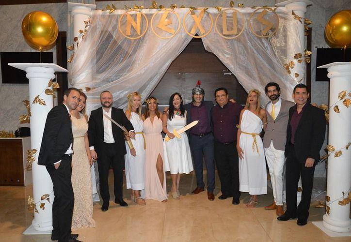 Gerentes y directores de Nexus Tours disfrutando del evento en el Hotel Royalton Riviera Cancún. (Foto: Marco Garzón)