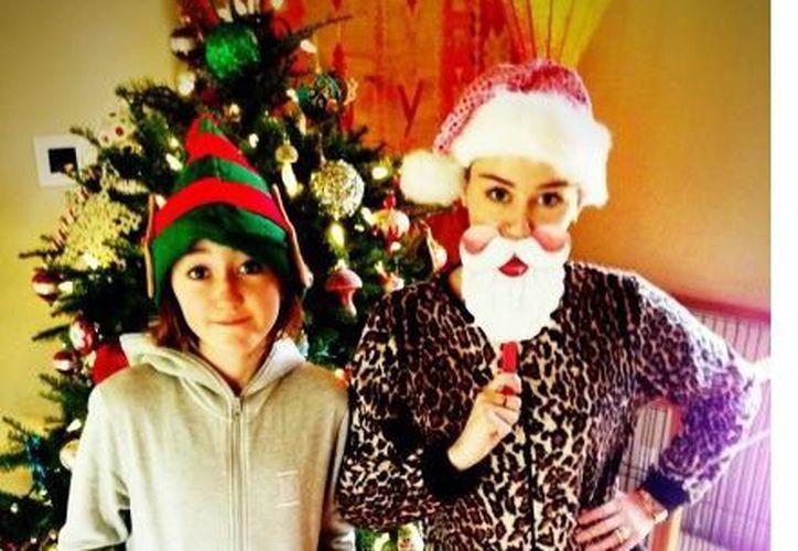 Miley Cyrus publicó el martes las fotografías en su cuenta de Instagram. (Agencia Reforma)
