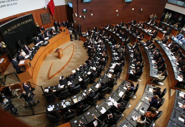La bancada de Morena ya renunció este bono y en el PRD dejaron que cada legislador decida si toma o no el recurso público. (Agencias/Archivo)