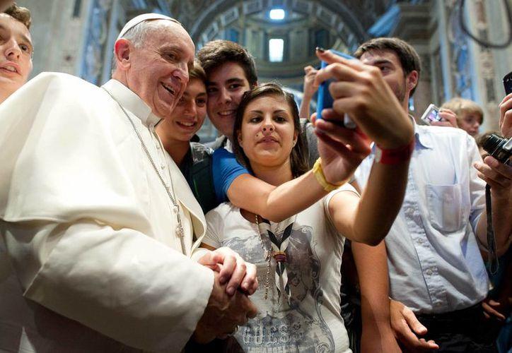 La cercanía de Jorge Mario Bergoglio con la feligresía ha sido un sello distintivo de su pontificado. (Agencias)