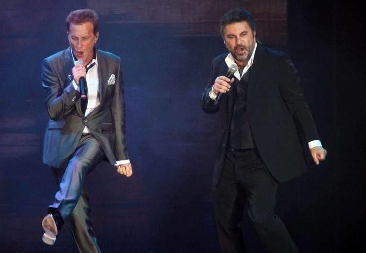 El dinero de los boletos vendidos para un concierto de Mijares y Emmanuel en el Auditorio Nacional servirá para afectados por Ingrid y Manuel. (recuerdosradiofm.com.mx)