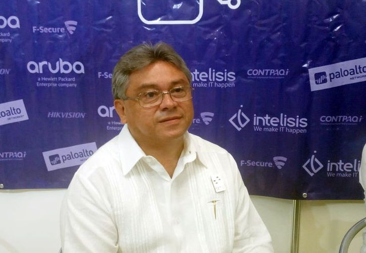 Rubén López Arceo, presidente local de la Asociación Nacional de Distribuidores de Tecnología Informática y Comunicaciones. (Patricia Itzá/Milenio Novedades)