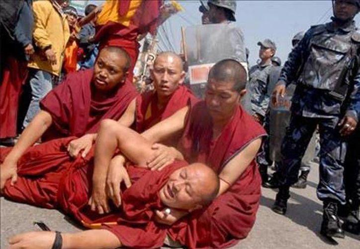 Tras la inmolación, se produjeron enfrentamientos entre la policía y un grupo de tibetano. (foto de contexto/rpp.com.pe)