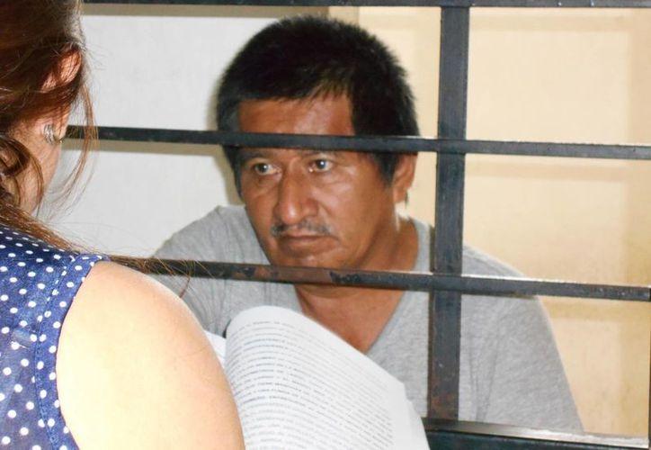 El trailero Joaquín Baños Pérez (a) 'Huacho' escucha la sentencia de 40 años de prisión que le impuso el juzgado sexto penal. (Francisco Puerto/SIPSE)