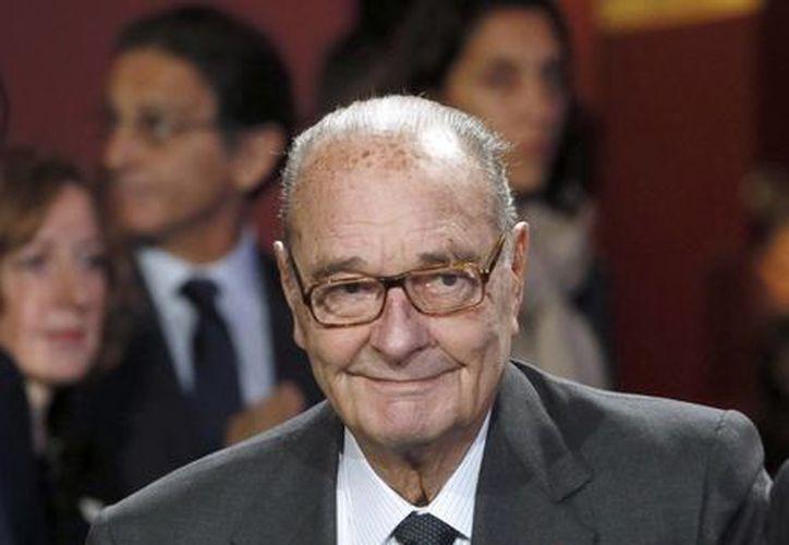 Los medios franceses destacaron ánimo del expresidente Jacques Chirac a pesar de su notoria debilidad física. (AP)