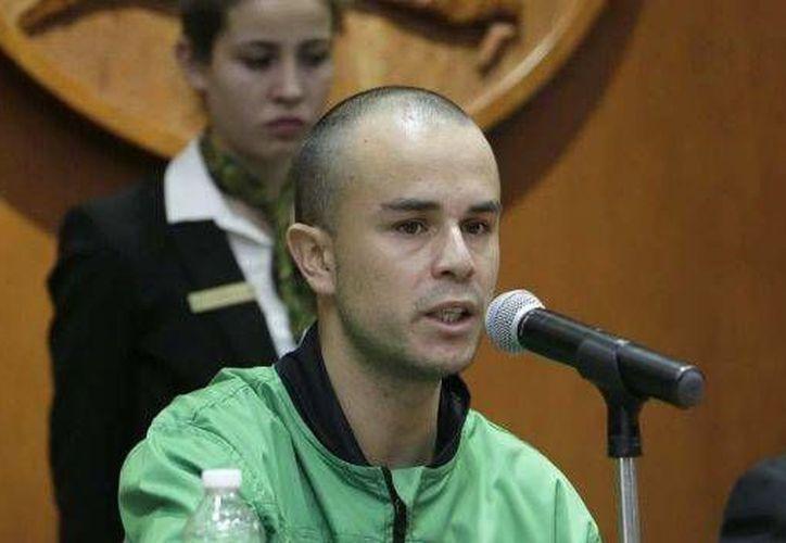 Imagen de Óscar Álvaro Montes de Oca el día que ofreció una conferencia de prensa tras ser liberado. (noticieros.televisa.com)