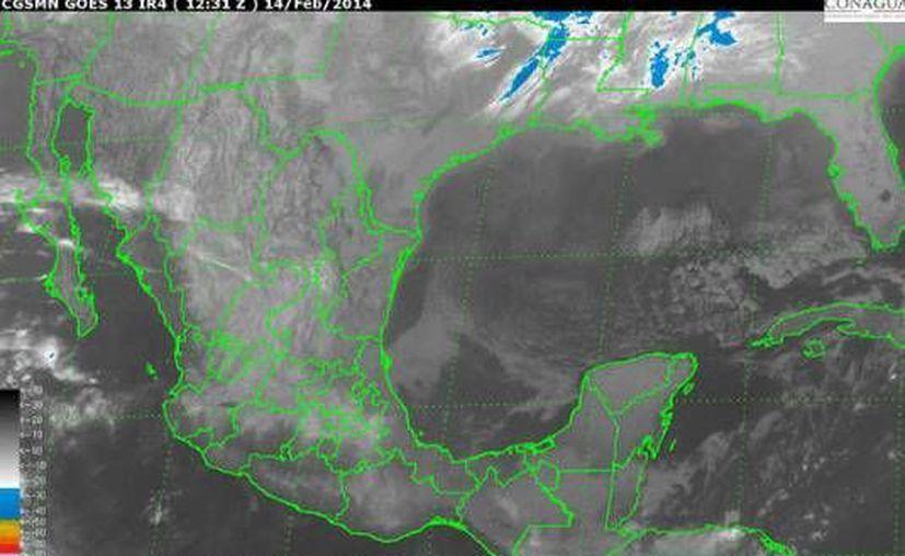 Continúa el frente frío número 34 en la Península de Yucatán, con movimiento lento al sureste. (Conagua)