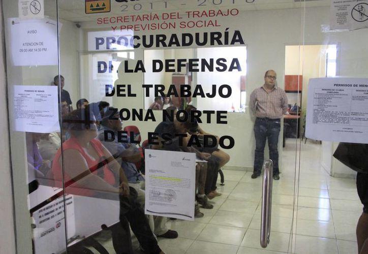 Un despido voluntario se determina cuando un trabajador por voluntad propia se da de baja de una empresa. (Tomás Álvarez/SIPSE)