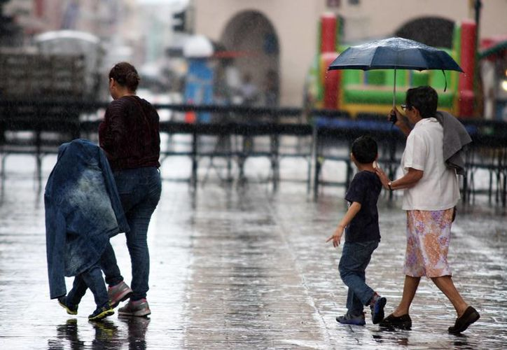 Se espera que este lunes se registren lluvias ligeras en Yucatán. (Wilbert Argüelles/SIPSE)