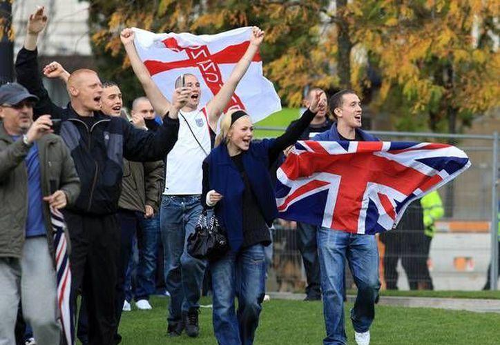 Integrantes de la Liga de Defensa Británica atacaron dos mezquitas. (minutodigital.com/Archivo)