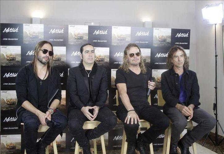 La banda mexicana Maná se encuentra de gira por España, presentando su disco 'Cama encendida', donde declaró contra los precandidatos republicanos Donald Trump y Ricky Santorum por sus propuestas antiinmigrantes. (EFE)
