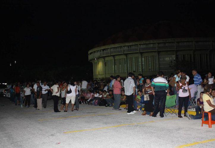 Los defraudados fueron citados en el estacionamiento del Kukulcán. (SIPSE)