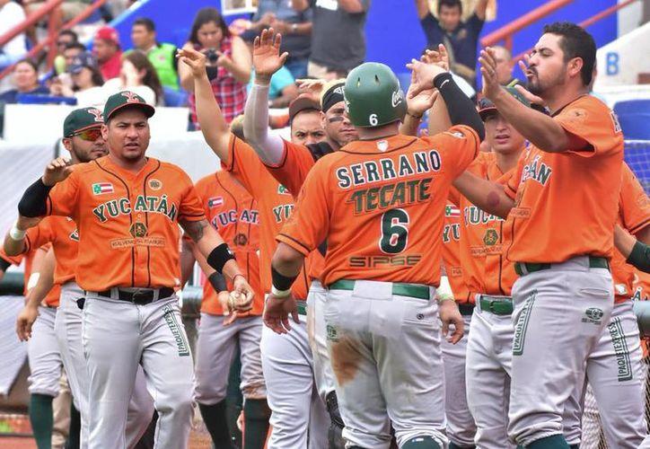 Leones de Yucatán regresó para empatar la serie a dos partidos. (Leones de Yucatán)
