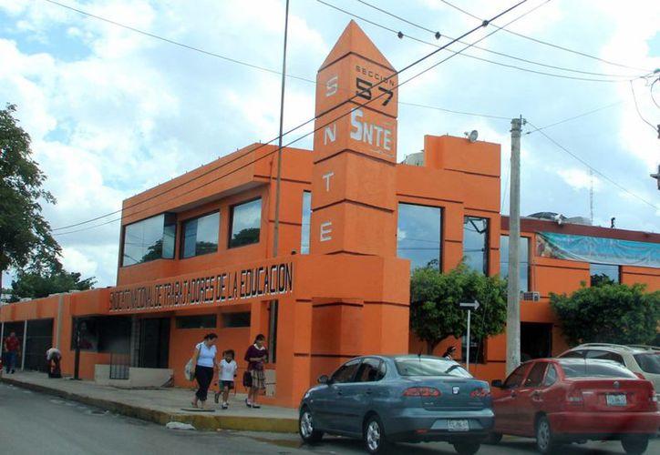 El Inegi pide el apoyo del sindicato de maestros para colaborar en el levantamiento del Censo de Escuelas, Maestros y Alumnos de Educación Básica y Especial (Cemabe). (Milenio Novedades)
