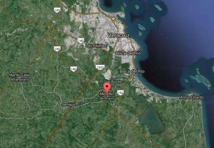 Un fuerte operativo de seguridad buscaba al periodista Moisés Sánchez Cerezo el viernes por la noche en Medellín de Bravo, Veracruz. (Google Maps)