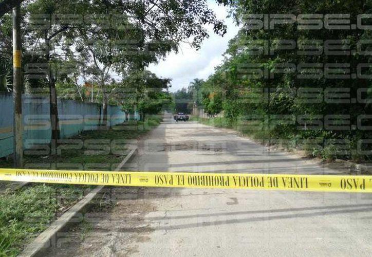Autoridades municipales se trasladaron al lugar de los hechos para acordonar la zona. (Rubén Cruz/ SIPSE)