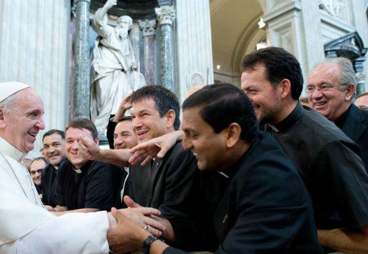 """""""Si existen casos, deben ser inmediatamente denunciados según las indicaciones de la Santa Sede"""", pero no difundidos, afirmó Cardenal. (Contexto/ Internet)"""