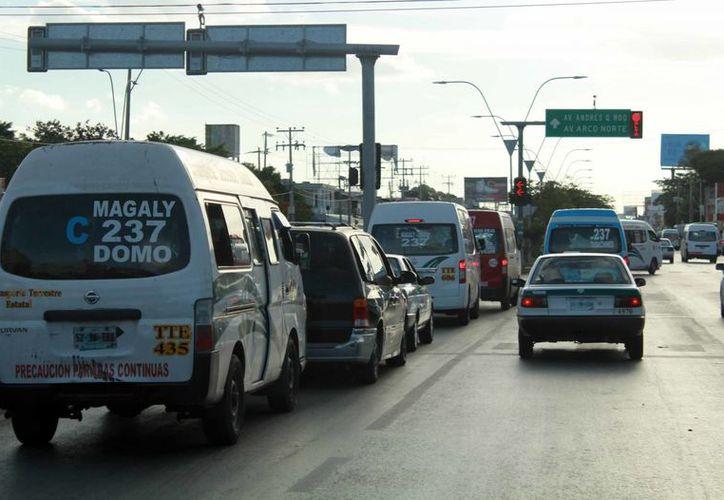 Las zonas en las que se busca mejorar el aforo vehicular son principalmente en el primer cuadro de la ciudad. (Luis Soto/SIPSE)