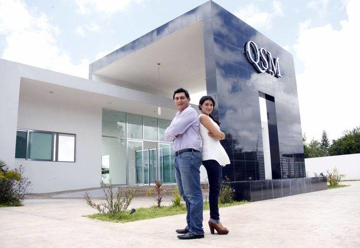 La arquitecta Mariana Quiñones Trejo y el ingeniero Damián Oscar Raigosa Gamboa constituyen Q+R. (Milenio Novedades)