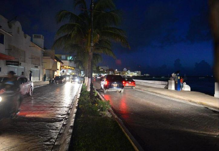 Invierten 11 millones de pesos en luminarias para  Cozumel. (Julián Miranda/SIPSE)