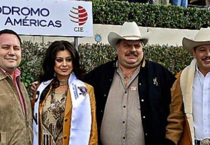 Según Pancho Colorado (segundo desde la derecha) dice que la conspiración para lavar dinero, por el que se le acusa, es un delito que sólo existe en Estados Unidos. (aristeguinoticias.com/Foto de archivo)