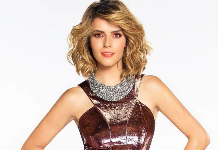 Claudia Álvarez aseguró estar contenta con la entrada a la telenovela de David Zepeda, pues ya trabajó varias veces con el actor. (univision.com)