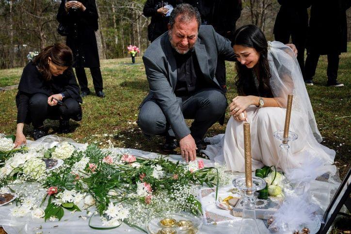 [FOTOS] En vez de la iglesia fue al cementerio: La historia de la novia que no se casó porque asesinaron a su prometido