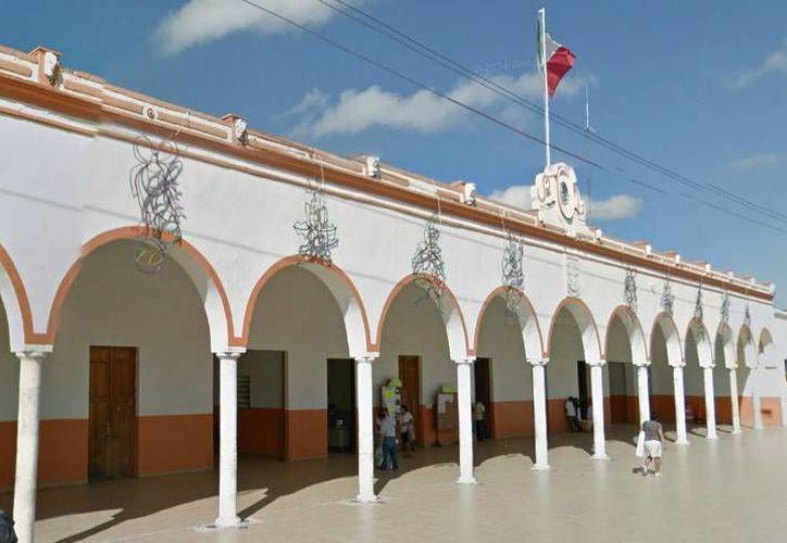 El Ayuntamiento de Umán prevé un Presupuesto de 2.5 millones para 2015, que da 'colchón' en caso de que el Tribunal determine el pago inmediato de las liquidaciones a extrabajadores municipales. (Milenio Novedades)