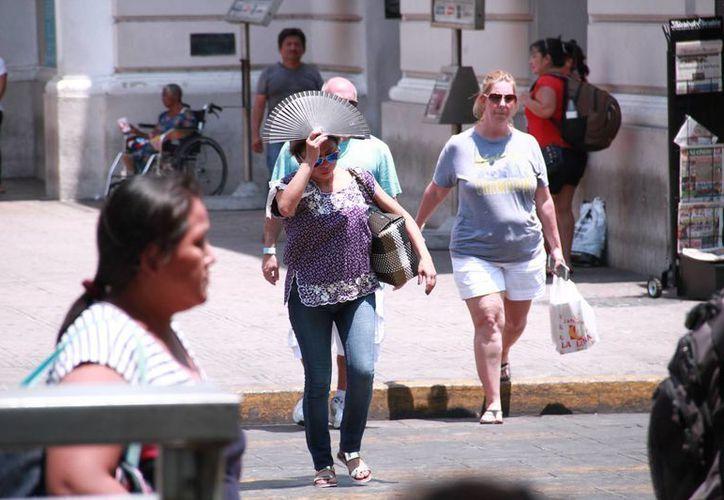 La Conagua pronostica que este martes las temperaturas máximas en Yucatán llegarán a los 36 o hasta 40 grados. (Jorge Acosta/Milenio Novedades)