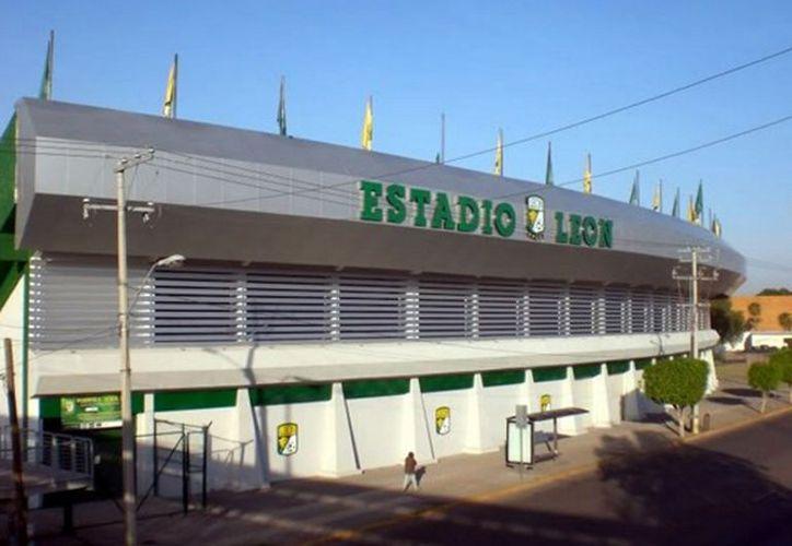El León se quedó sin estadio, ya que un juez  otorgó la propiedad al empresario Roberto Zermeño, quien fue Presidente del club.(Notimex)