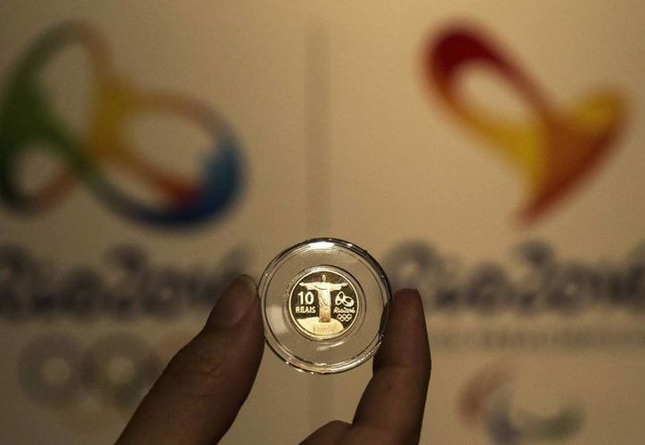 Un segundo paquete de monedas conmemorativas de los Juegos Olímpicos de Rio de Janeiro consiste en dos de oro, cuatro de plata y cuatro de circulación común. (EFE)