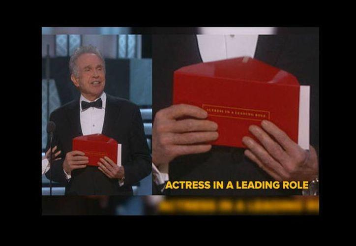 Warren Beatty sostuvo en sus manos una tarjeta que contenía a la ganadora como Mejor Actriz y ello provocó que, por error, se diera por ganadora a 'La La Land' y no a 'Moonlight'. (Milenio)