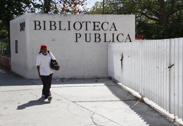 En Cancún existen cuatro bibliotecas públicas y seis pertenecen a diferentes universidades. (Tomás Álvarez/SIPSE)