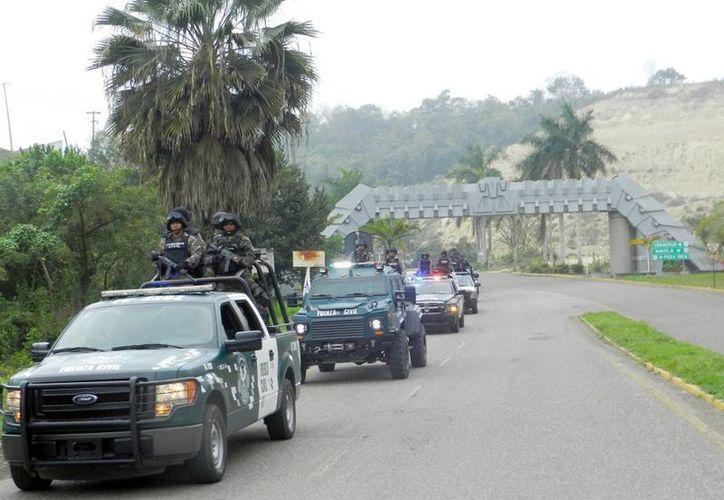 Fuerza civil tomó el control de la seguridad en Papantla, luego del arresto de 8 policías municipales  involucrados en la desaparición de dos jóvenes. (papantlaenlanoticia.com)