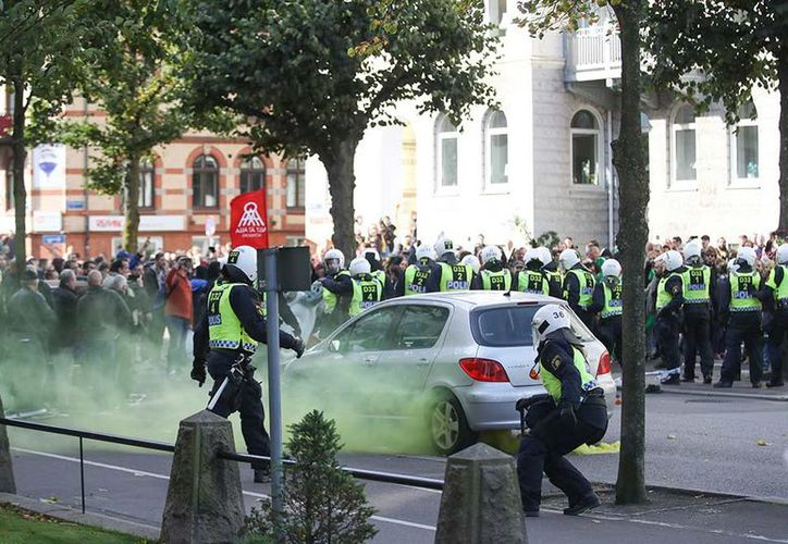 Una decena de extranjeros fueron detenidos cuando intentaban entrar en el país para presuntamente preparar actos violentos durante las marchas. (Excelsior)