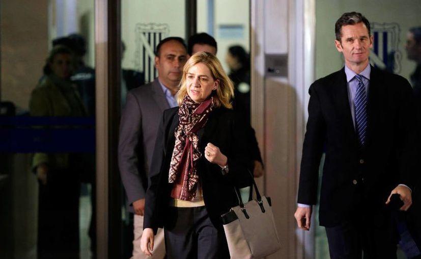 Cristina de Borbón y Grecia fue citada este lunes en los juzgados de Palma de Mallorca para escuchar las acusaciones en su contra y otros 19 implicados en el 'Caso Nóos'. (AP)