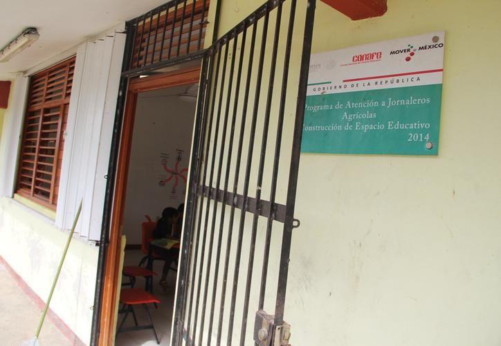 Las escuelas de las comunidades sufren de carencias. (Redacción/SIPSE)