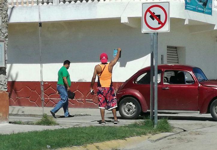 La medida también se aplicará en la avenida Costera, donde hay aproximadamente 21 puntos donde ofrecen paquetes de tours. (Javier Ortiz/SIPSE)